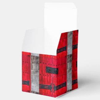 Puerta de madera rústica roja magnífica cajas para regalos