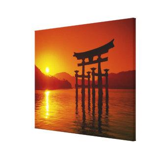 Puerta de O-Torii, capilla de Itsukushima, Miyajim Lona Estirada Galerias