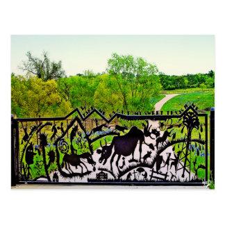 Puerta del arte del metal en el lazo de la ciudad  postales