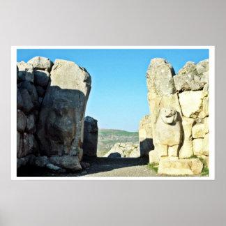 Puerta del león en Hattushas, 1300 A.C. Póster