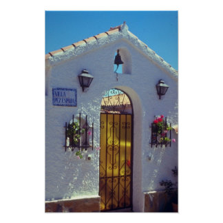 Puerta española roja del estilo flores de Marbell Posters