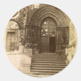 Puerta gótica pegatina redonda
