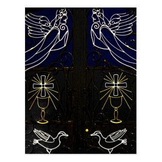 Puerta griega decorativa con ángeles, los pájaros tarjeta postal