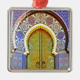 Puerta marroquí exquisitamente detallada del adorno navideño cuadrado de metal
