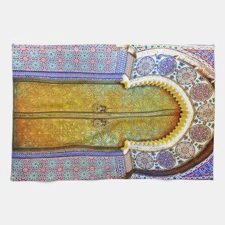 Puerta marroquí exquisitamente detallada del model toallas