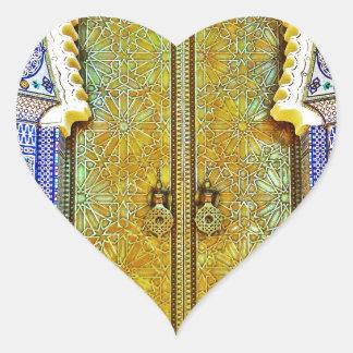 Puerta marroquí exquisitamente detallada del pegatina en forma de corazón