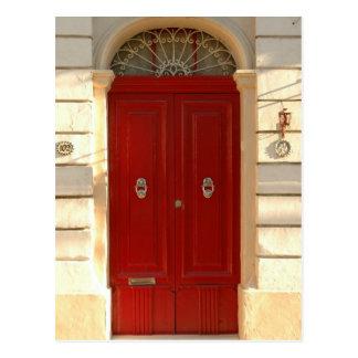 Puerta roja postal