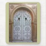 Puerta tradicional de Túnez Alfombrilla De Ratón