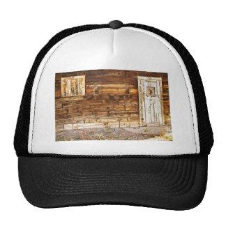Puerta y ventana viejas rústicas de granero de Col Gorro De Camionero