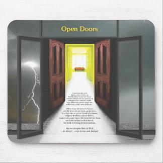 Puertas abiertas (relámpago) por José James Tapete De Ratón