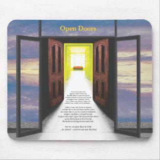 Puertas abiertas (rotura en nubes) por José James Mousepad