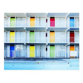 Puertas coloridas del motel, Wildwood, NJ Postales