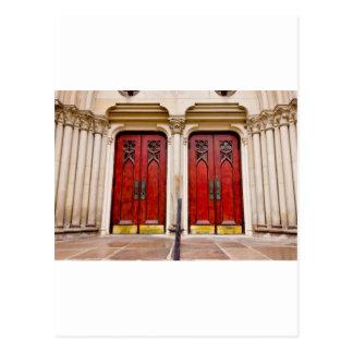 Puertas de la iglesia postal