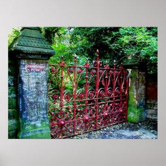 Puertas del campo de la fresa póster