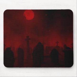 Puertas rojas del cementerio tapete de raton