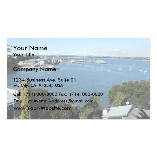 Puerto atractivo con el número de los barcos plantilla de tarjeta personal