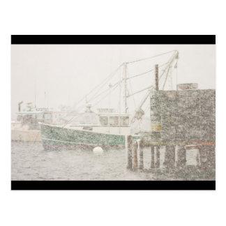 Puerto bajo en la nevada pesada, costa de Maine Postales