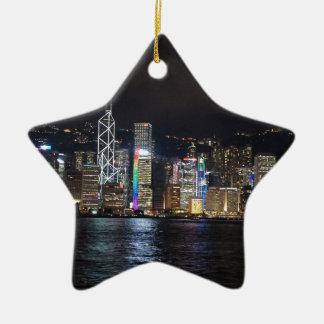 Puerto de Hong Kong en la noche Adorno Navideño De Cerámica En Forma De Estrella