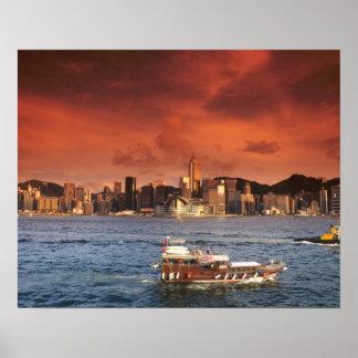 Puerto de Hong Kong en la puesta del sol Impresiones