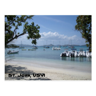 Puerto de la isla caribeña con la playa tarjeta postal