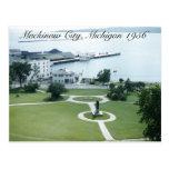 Puerto de la isla de Mackinac Michigan 1956 Tarjeta Postal