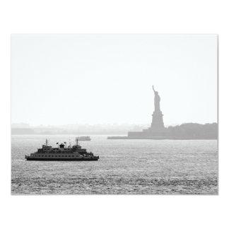 """Puerto de New York City - estatua de la libertad Invitación 4.25"""" X 5.5"""""""