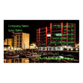 Puerto deportivo por la noche - plantillas de las  tarjetas de visita