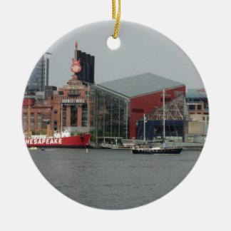 Puerto en Baltimore Adorno Redondo De Cerámica