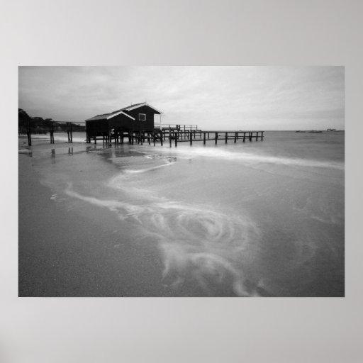 Puerto seguro - playa de Shelley Posters