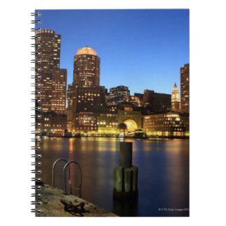 Puerto y horizonte de Boston.  Boston es uno de lo Libretas