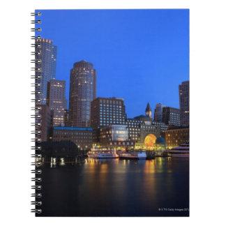 Puerto y horizonte de Boston.  Boston es uno de lo Libros De Apuntes Con Espiral