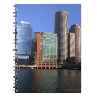 Puerto y horizonte de Boston.  Boston es uno de lo Spiral Notebooks