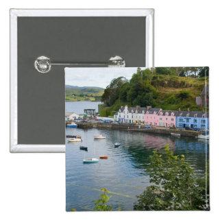 Puerto y veleros hermosos con reflexiones en 2 pin