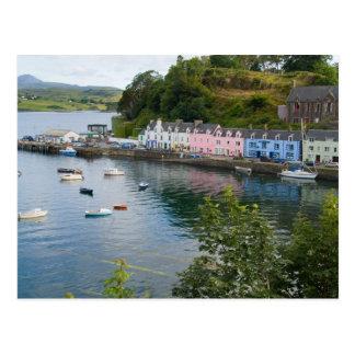 Puerto y veleros hermosos con reflexiones en 2 postales