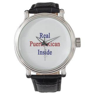 Puertorriqueño real dentro reloj de mano