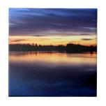 Puesta de sol en la laguna de El Rocío, Doñana Azulejo