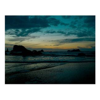Puesta del sol 02 de la costa de Oregon Tarjetas Postales