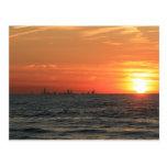 Puesta del sol 1 del lago Michigan Postales