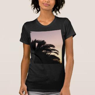 Puesta del sol #2 de la palmera t shirts