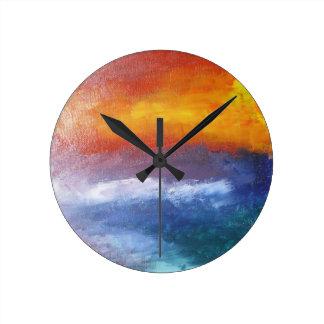 Puesta del sol abstracta de la playa reloj redondo mediano