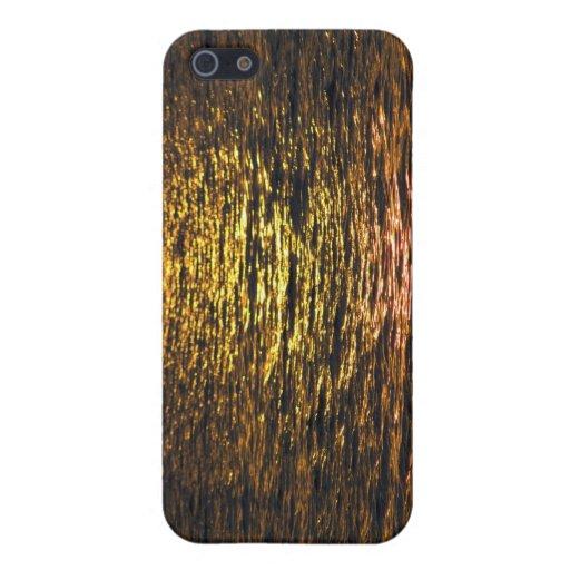 Puesta del sol abstracta en el agua iPhone 5 coberturas