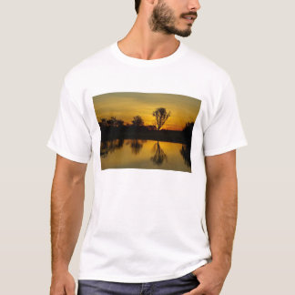 Puesta del sol, agua amarilla Billabong Playera