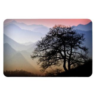 Puesta del sol ahumada de la montaña de la ruta ve iman rectangular