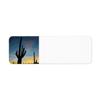 Puesta del sol al sudoeste del cactus del Saguaro Etiqueta De Remitente