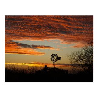 Puesta del sol al sudoeste postal