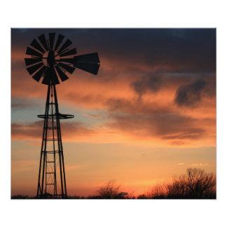 Puesta del sol anaranjada del país de Kansas con l Foto
