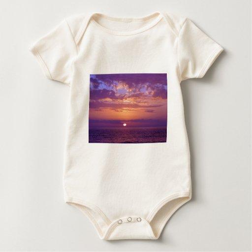 Puesta del sol anaranjada púrpura de la Florida Mameluco De Bebé
