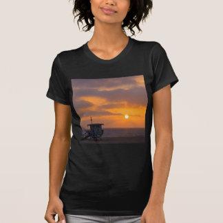 Puesta del sol Baywatch Camisetas