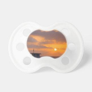 Puesta del sol Baywatch Chupetes