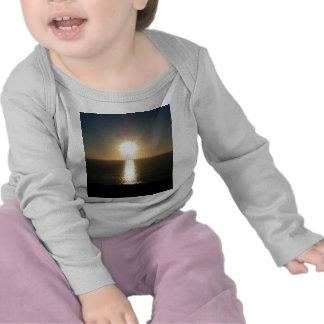 Puesta del sol Bigbury en el mar Camiseta